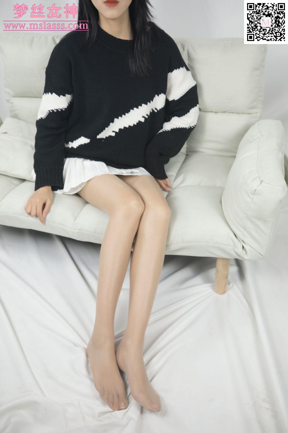 [MSLASS]梦丝女神 – 小穆 毛衣挡不住长腿