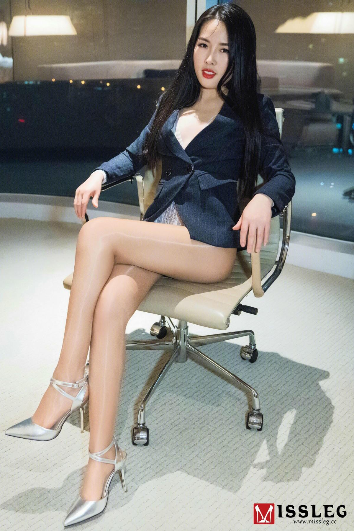 [MISSLEG蜜丝]蜜丝钻石室内N系列 N017 晨雨&琪琪 《压制》
