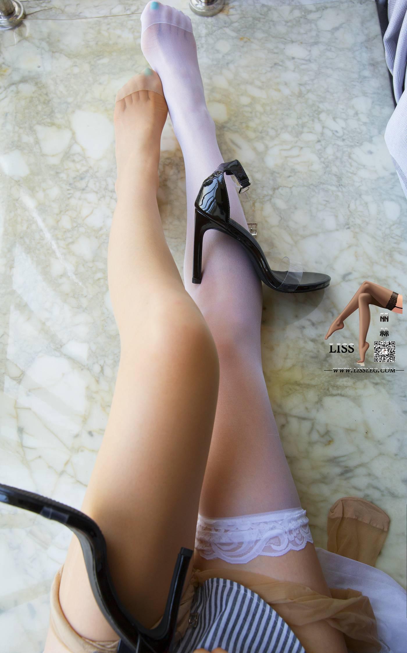 [LISS丽丝映像]NO.009 莎莎小姐 情蜜玉足 白蕾丝筒袜与超薄肉丝[91P]