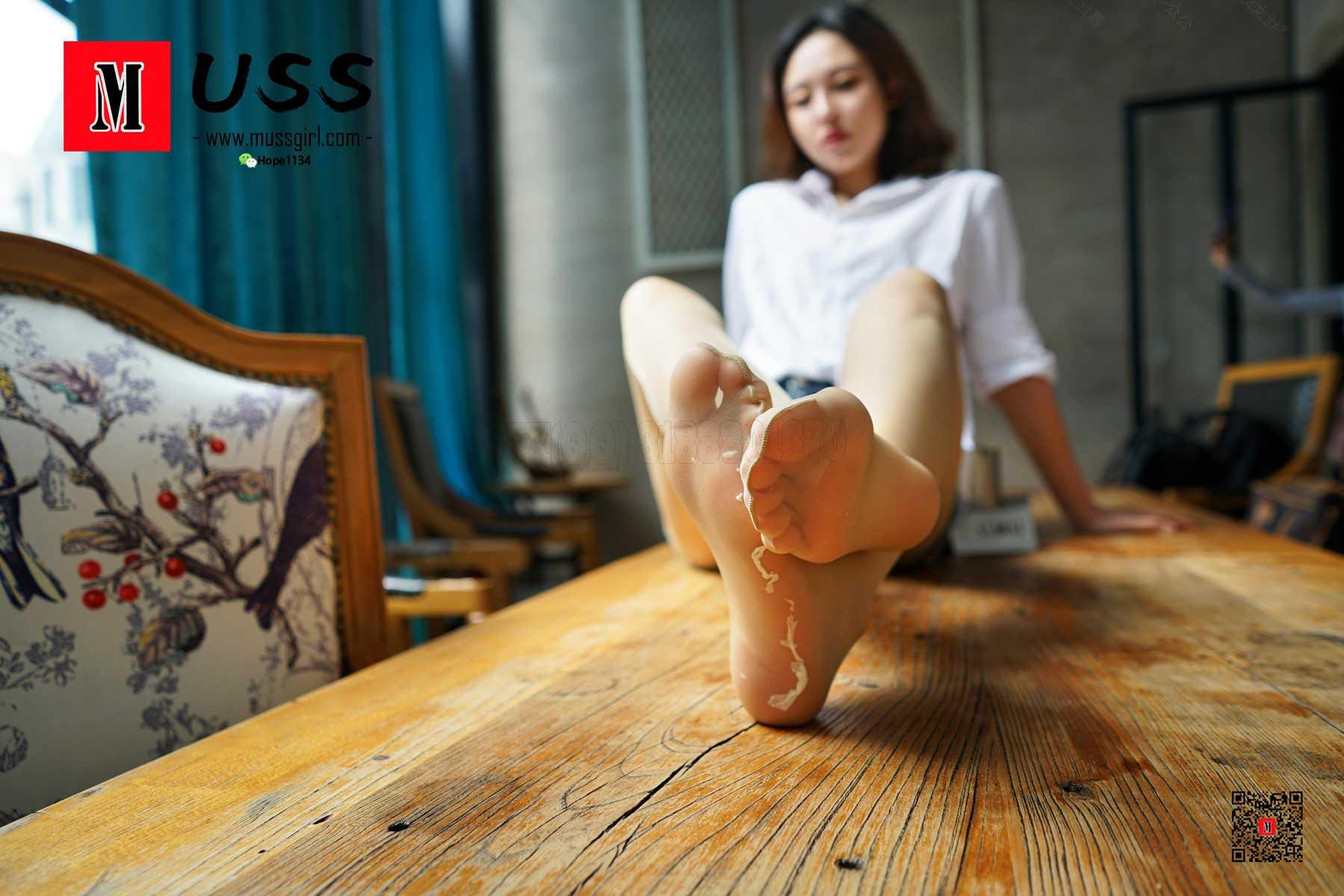 [MussGirl]慕丝女郎 No.036 很酷吧 是她的靴子太热了